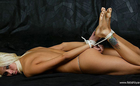 Submissive babe loves getting hogtied