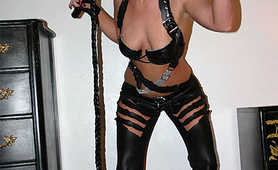MILF amateur wants to be catwoman forever