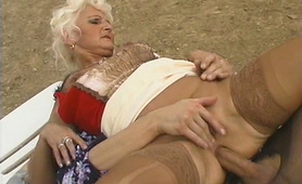 Granny getting anal fucking that she loves