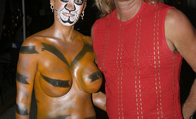 Busty Wife shows great tiger body paint