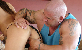 Bald buff sex maniac fingering tight twat