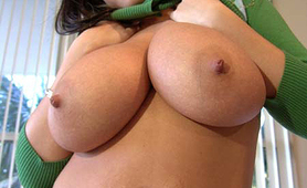 Giant juicy natural tits Brandy Talore