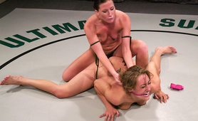 Real hot naked lesbian fighting