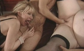 Granny sluts threesome fucking action