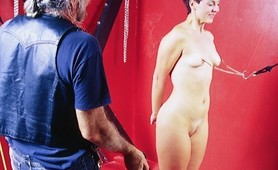 Fetish Amateur slave trained with ropes