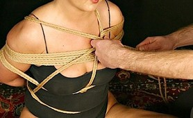 Rope slave gagged and tortured