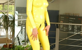 Yellow Latex fetish mistress
