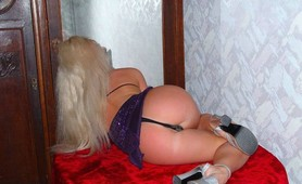Super hot blonde stripper naked in the mirror