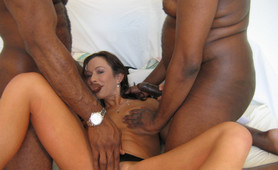 Amateur wife double banged by black guys