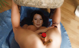 Lucy Liu loosens up for a kung fucked