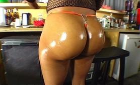 Horny black slut showing gaping ass rough anal fucking penetration