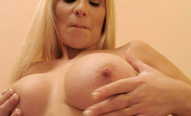 Sexy Blonde babe with natural boob jugg fucked