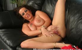 Hot mom Angelica fucks a huge cock