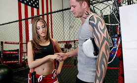 Jenna Haze loves to suck a cocks before her training