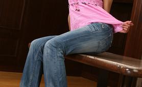 Hot teen Kylie using her dildo