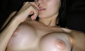 Photos of amateur chicks who love their large breasts