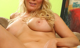Big boobs hot milf craves for big hard dicks