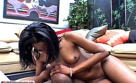 Sweet ebony gf face sitting fetish