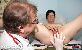 Barbora mature gynoclinic gynochair pussy speculum exam