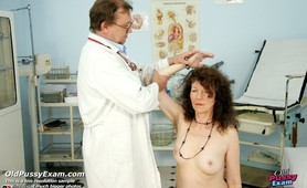 Hairy pussy mature woman Karla visits her gynecologist