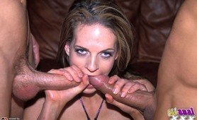 Crissy Cums gets a deep pounding and does double vag