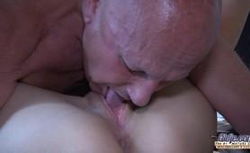 Young slut fucks Old Perv