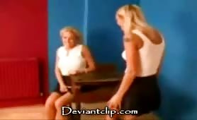 Sexy cheerleaders piss on each other