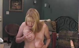 Hot Mature Shows Her Dripping Pussy On Webcam