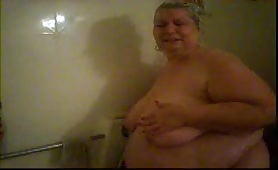 Amateur BBW naked in the shower