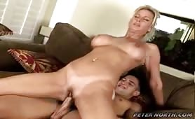 Amazing MILF Enjoys Sucking Dick & Fucking Like A Whore