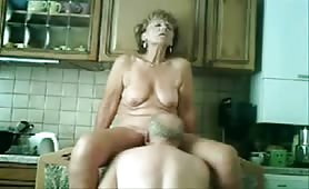 Grannyma and grandpa kitchen sex