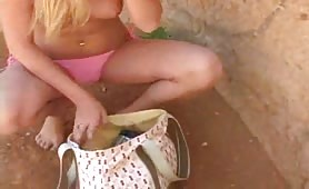 Sexy Alison Masturbates on the Beach
